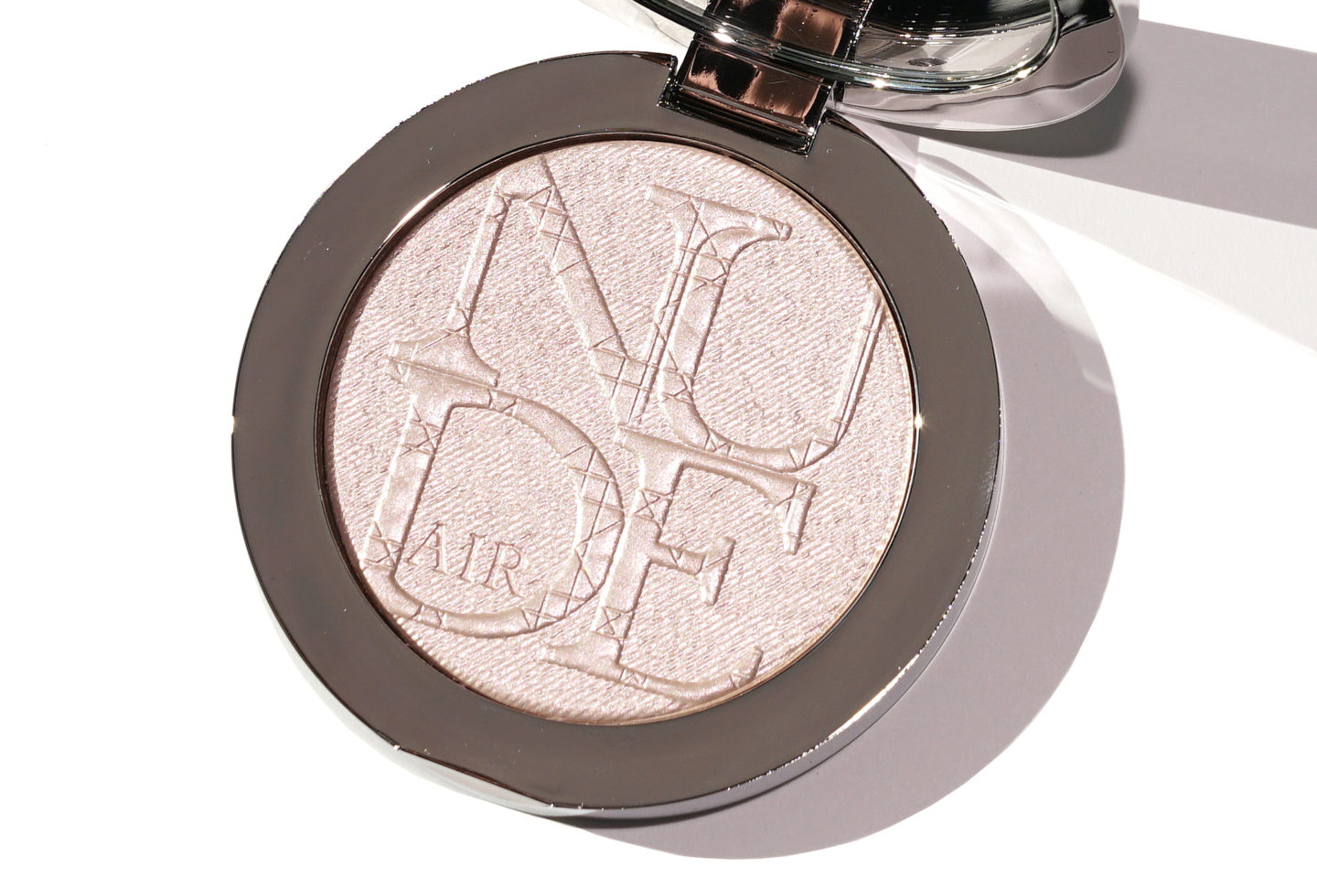 Diorskin Nude Air Luminizer Powder 002 | The Beauty Look Book