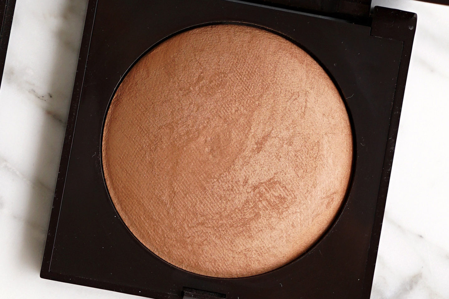 Laura Mercier Matte Radiance Powder Bronze 04