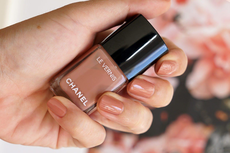 Chanel Bleached Mauve Le Vernis