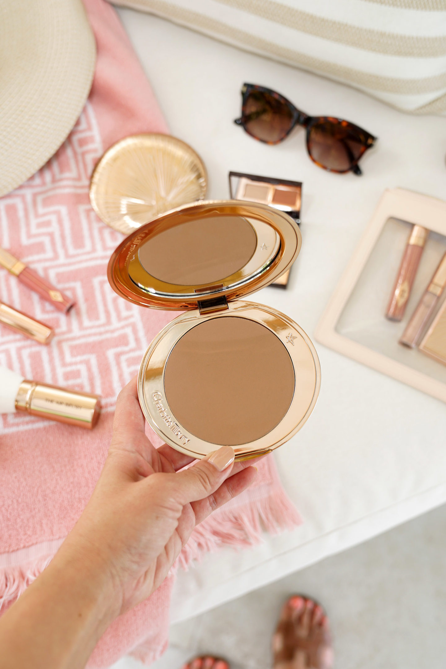 Charlotte Tilbury Airbrush Bronzer in Medium | The Beauty Look Book
